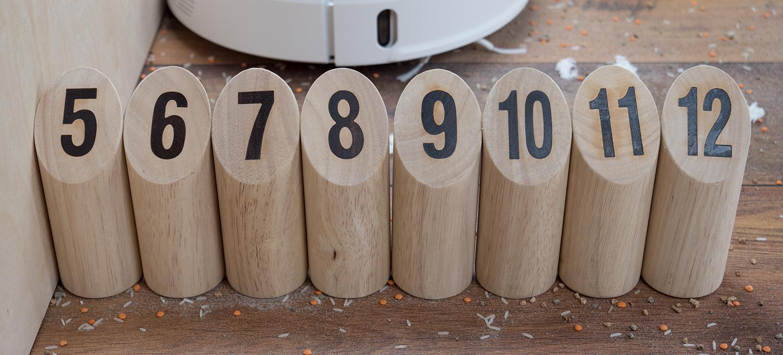 Hindernissmauer aus 8 Stück Rundholz mit 5,5 cm Durchmesser